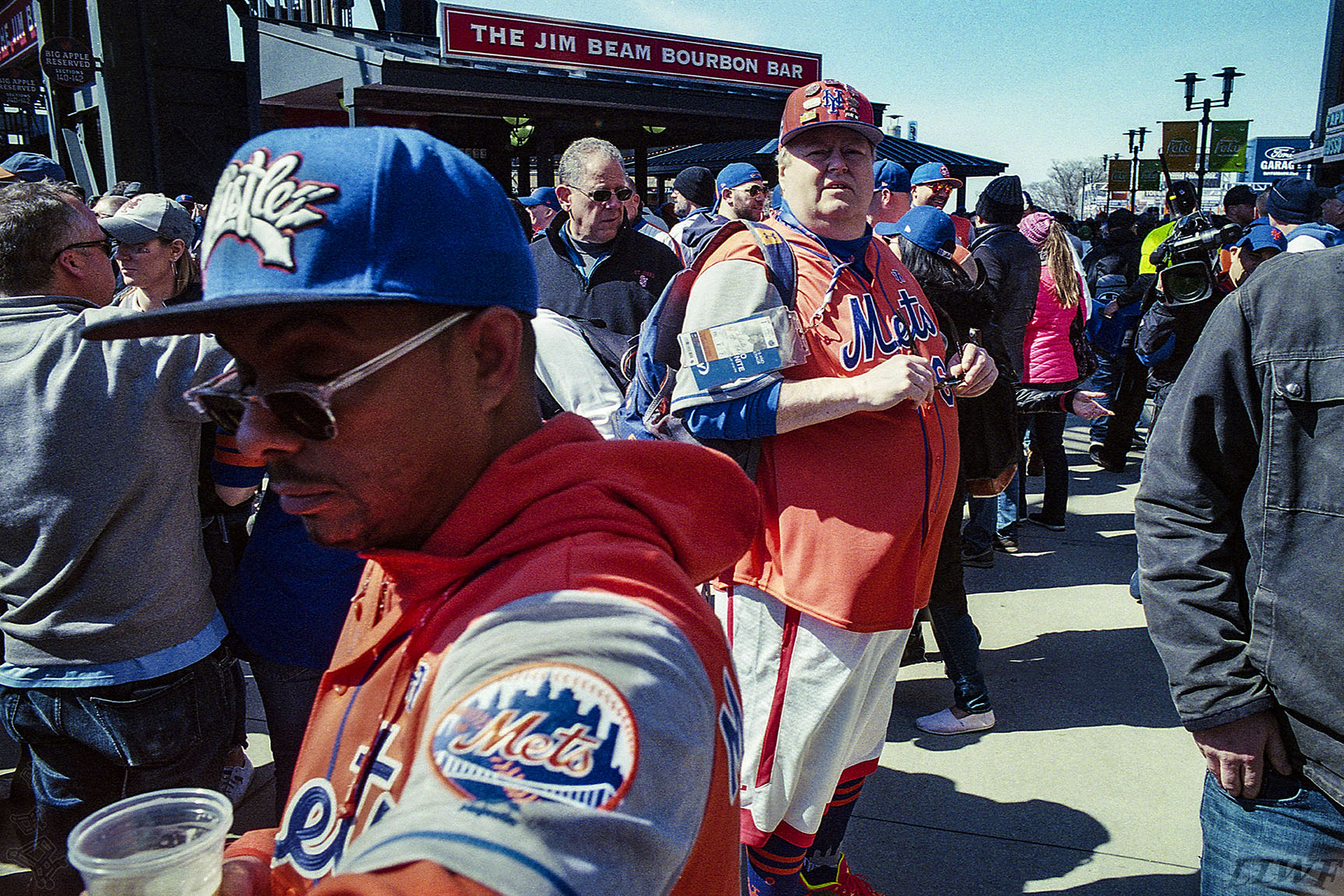 12-08-L_Home_Mets_APR18_72